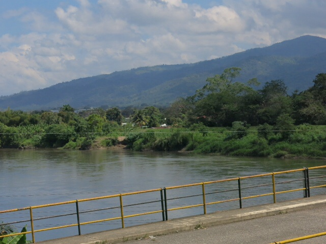 On the road to Ceiba
