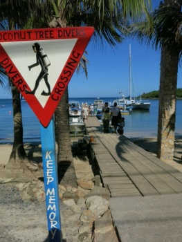 Sign in Roatan