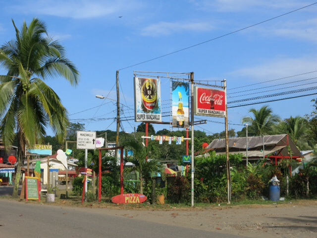 Manzanillo village centre