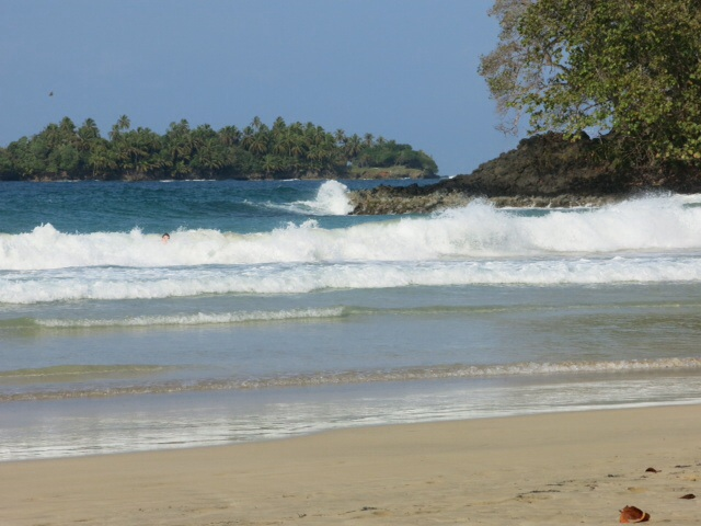 Surf at Red Frog Beach