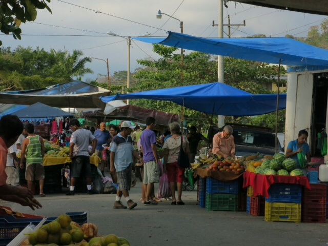Farmers market at Quepos
