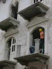 Men at work in Casco Viejo