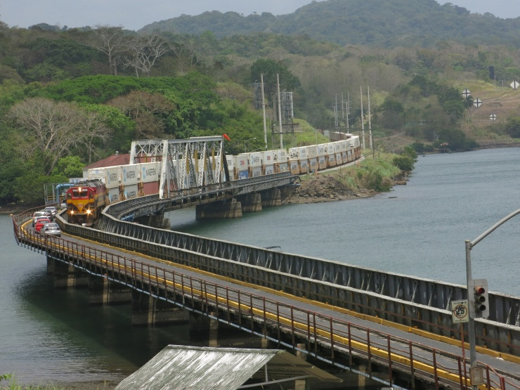 The rail/road bridge in Gamboa