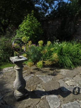 Sundial in the Eastbury Hotel garden