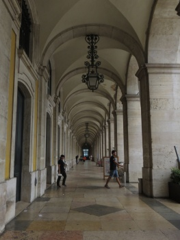 Some of the 86 arches that go round the Terreiro do Paco