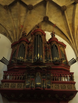 Organ in Santa Cruz church