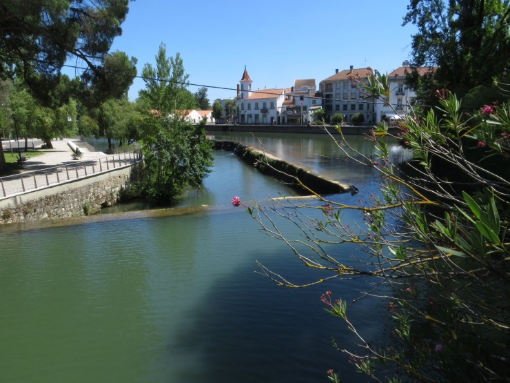 River and weir in Tomar