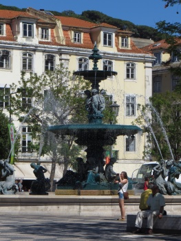 Fountain in a square in Lisbon