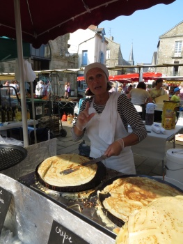 Crepe in the market place in Geurande