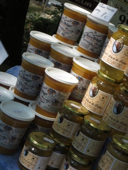 Honey for sale at Kerhinet
