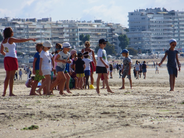 Children's holiday programme on the beach
