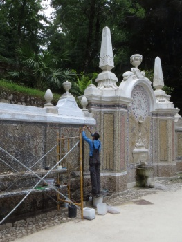 Renovating a fountain in Quinta da Regaleira