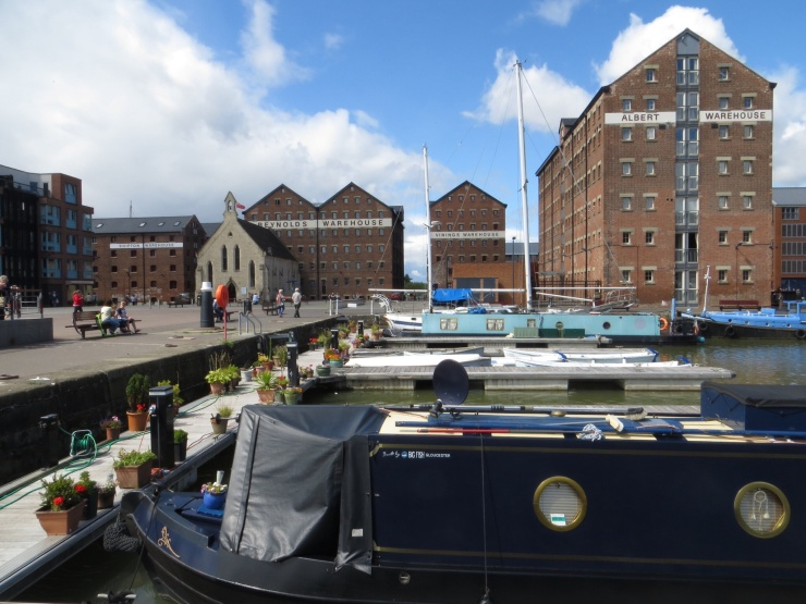 Barges and houseboats in Gloucester Quays