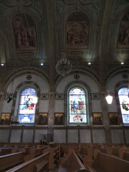 Windows and ceiling in Notre Dame de Bonsecours