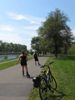 Bike (and roller blade) path along the Canal