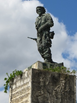 Che atop his Memorial