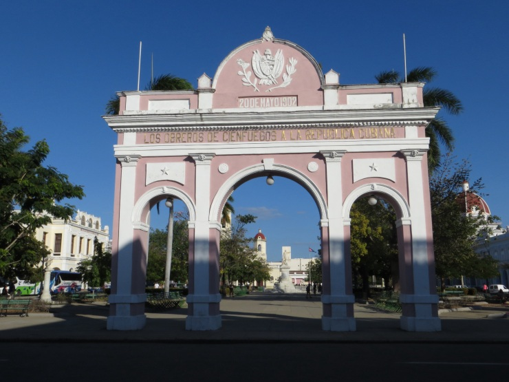 Arc de Triomphe - the only one in Cuba