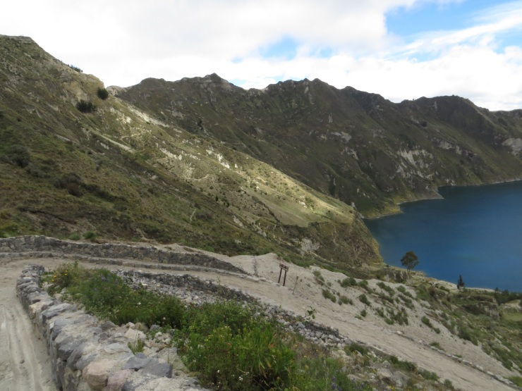 The path descending to the lake