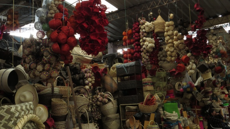 Baskets for sale in the Santa Clara market