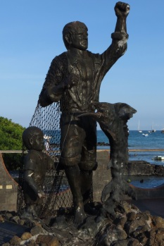 Statue at Puerto Ayura on Santa Cruz