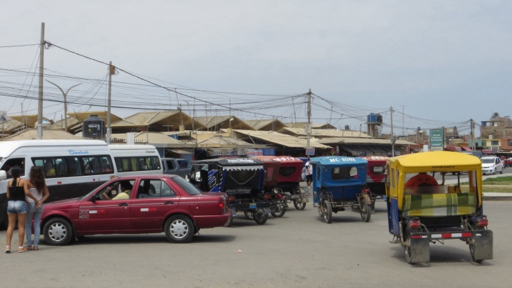 Traffic outside the market in Lambayeque