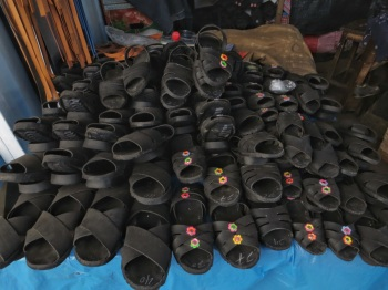 Shoes made of rubber tyres for sale in the market