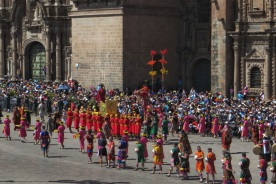 The procession moving around the Plaza