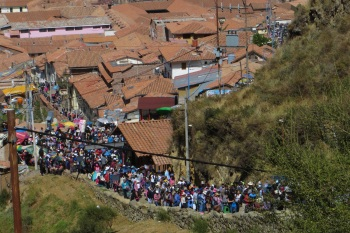 Hordes of people going up to Sacsayhuaman