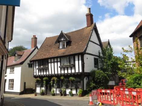 Tudor pub in Wymondham