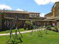 Sculptures in the garden at En El Camino