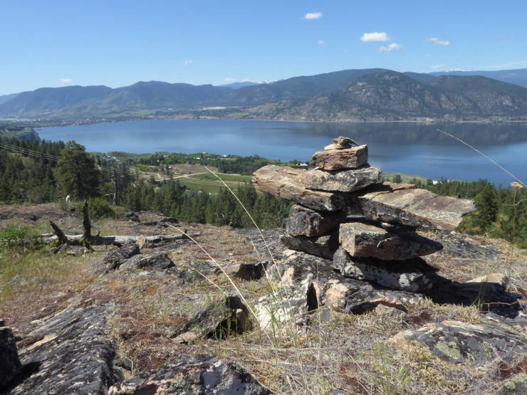 Inukshuk in Three Blind Mice trails