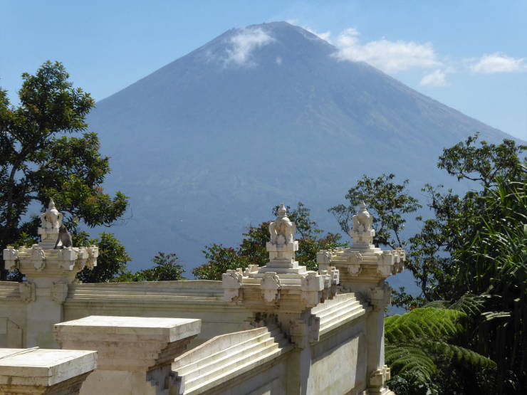 Mt Agung from the sixth temple