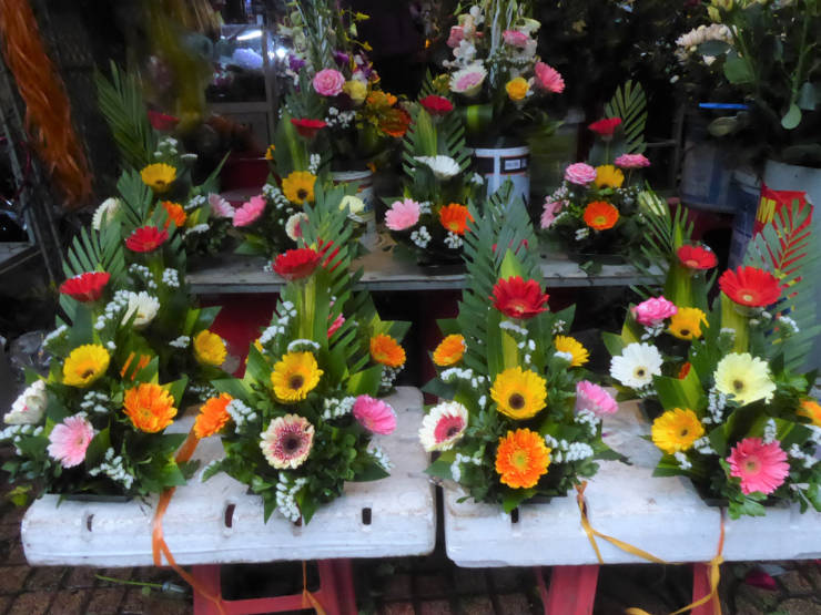 Flower arrangements at the market