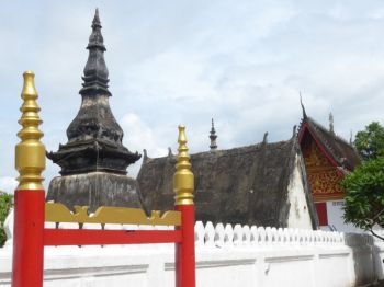 Buildings in the grounds of Wat Mai
